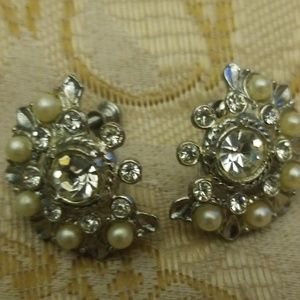 Vintage rhinestone screw earrings PM 641